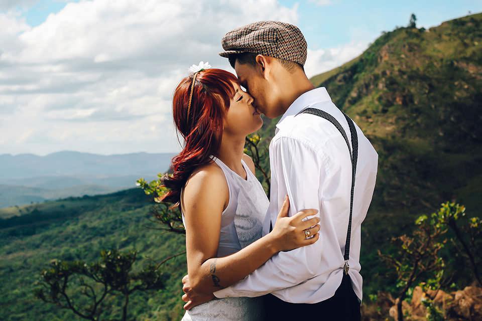 couple-kissing_2